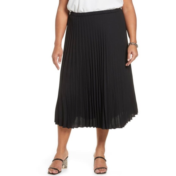 Halogen | Black Pleated Midi Skirt